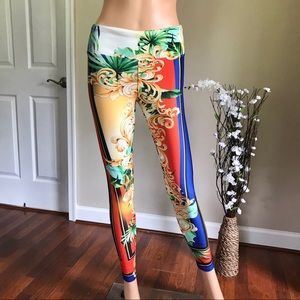 NWT Express Beautiful Colorful Legging Size Small